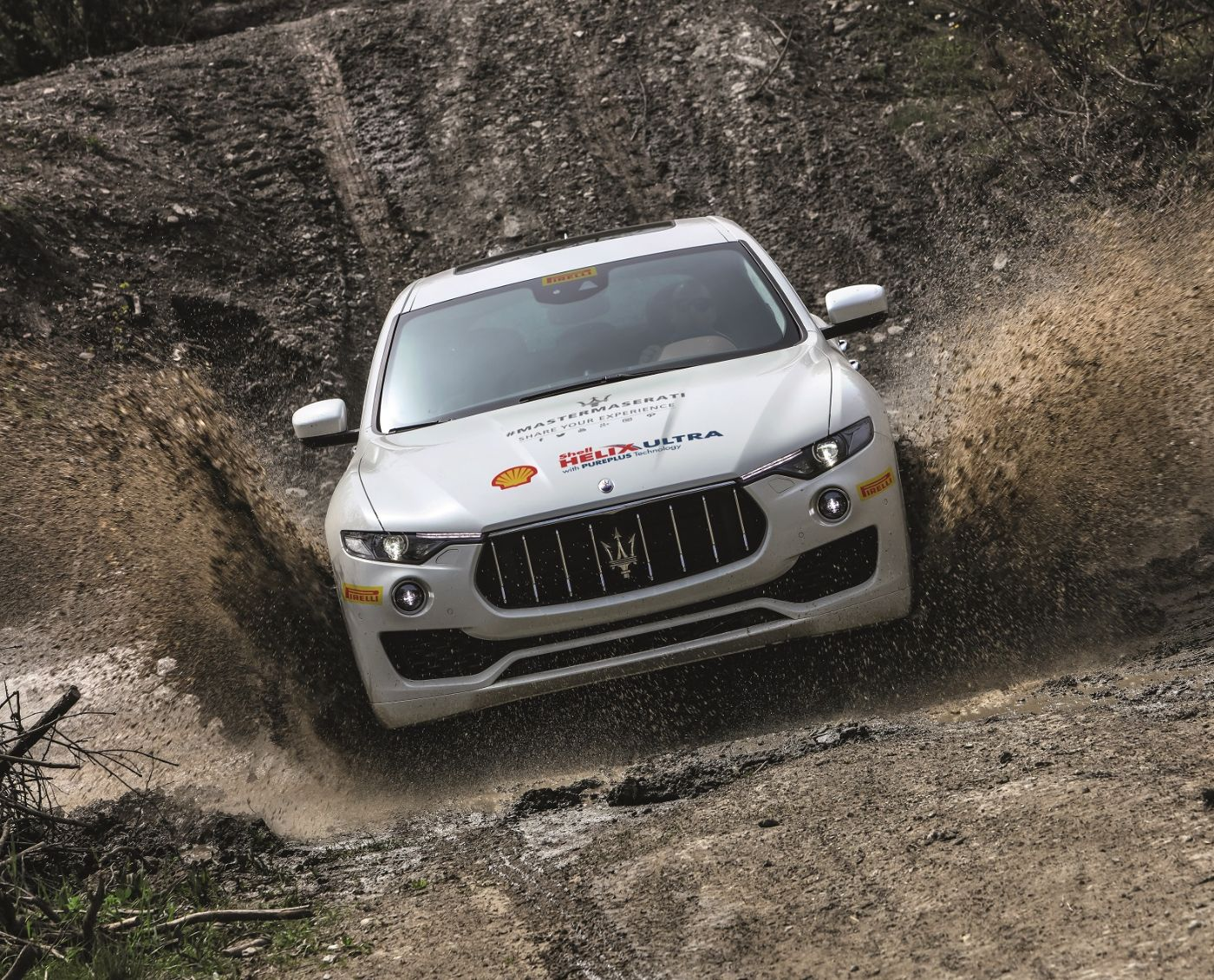Off-road driving Maserati Levante - Shell Helix Ultra Maserati  co-branded motor oil