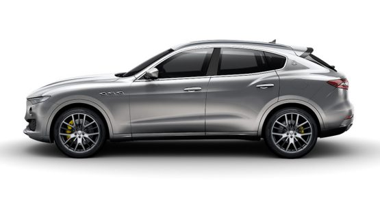 Model overview - a dark grey Maserati Levante S - side