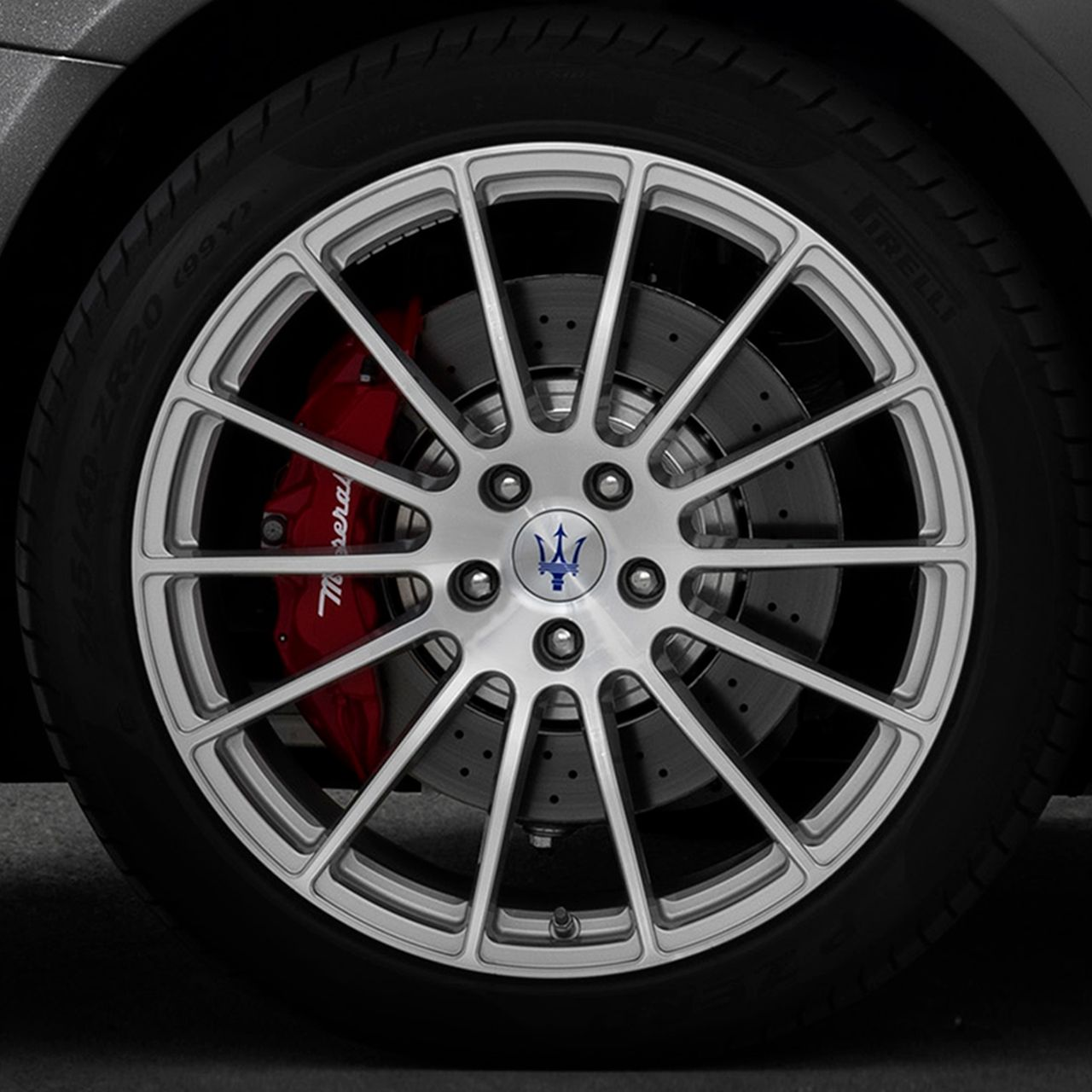 Maserati Quattroporte - alloy wheel with Trident's Logo