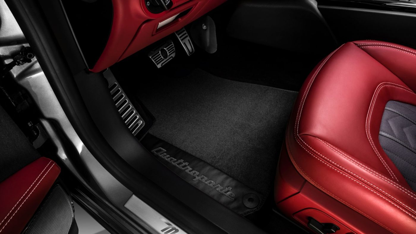 Maserati Quattroporte accessories - Branded Floor Mats