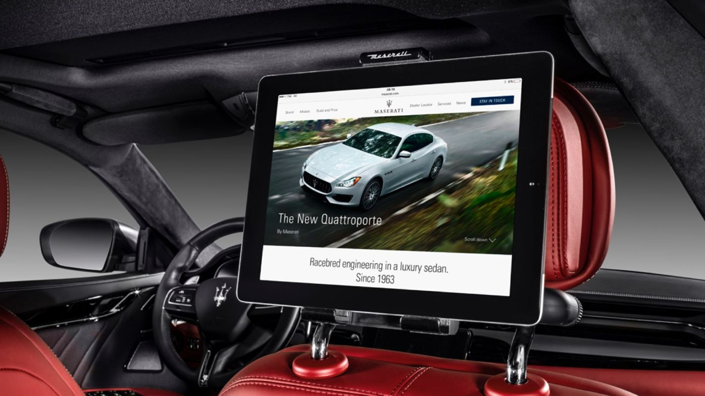 Maserati Quattroporte accessories - universal tablet holder