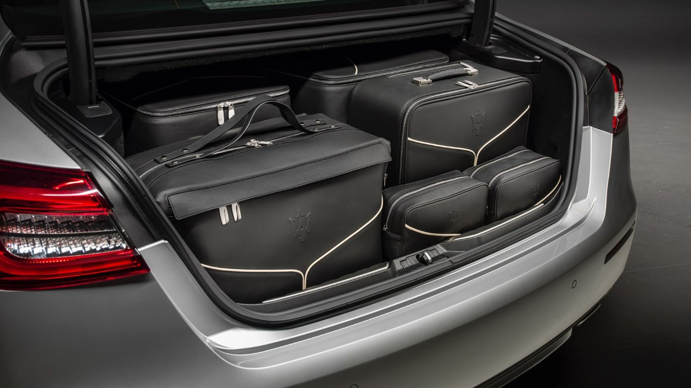 Maserati Quattroporte accessories - luggage set inside the boot