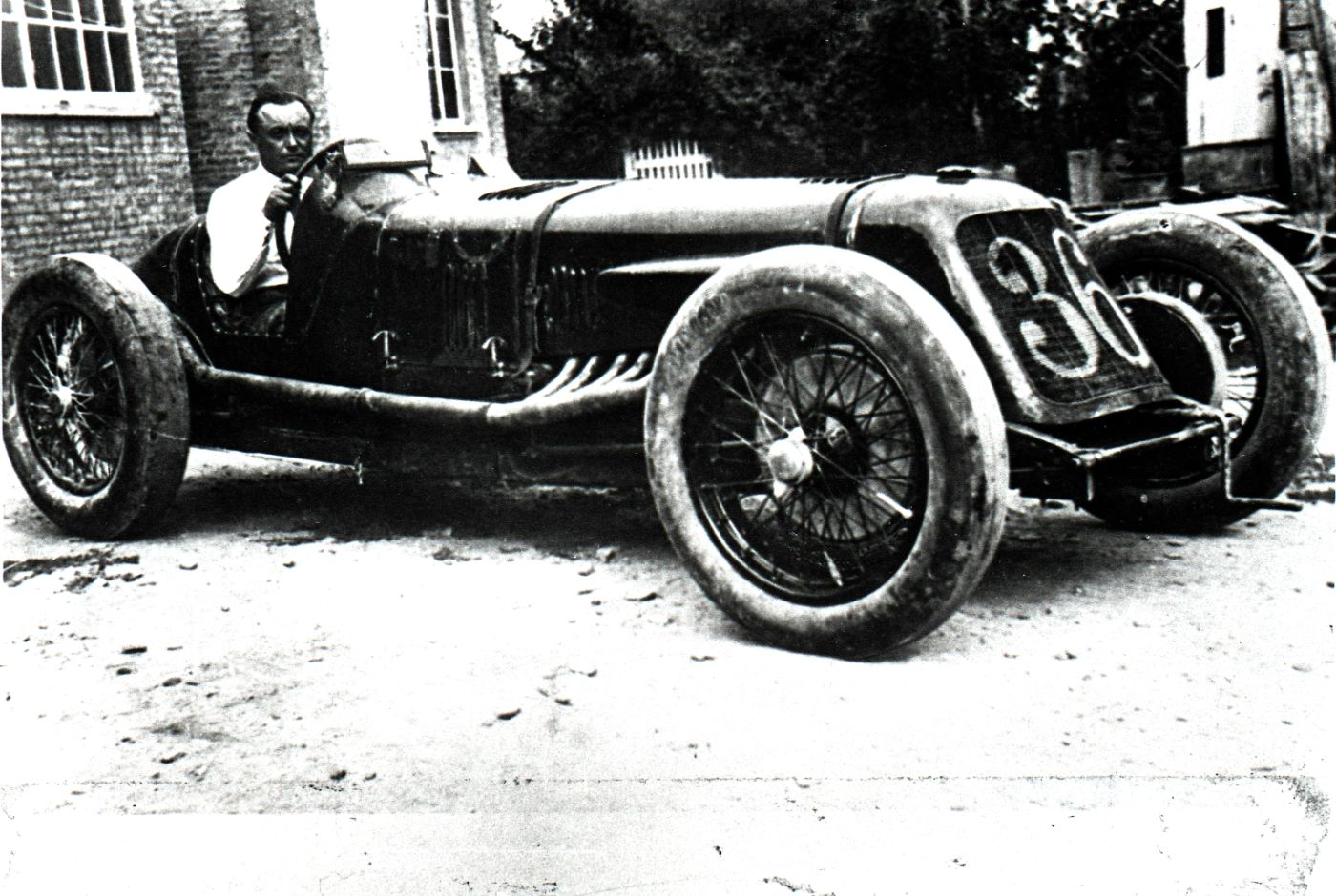 Mario Borzacchini and Tipo V4 at Bologna, 1929
