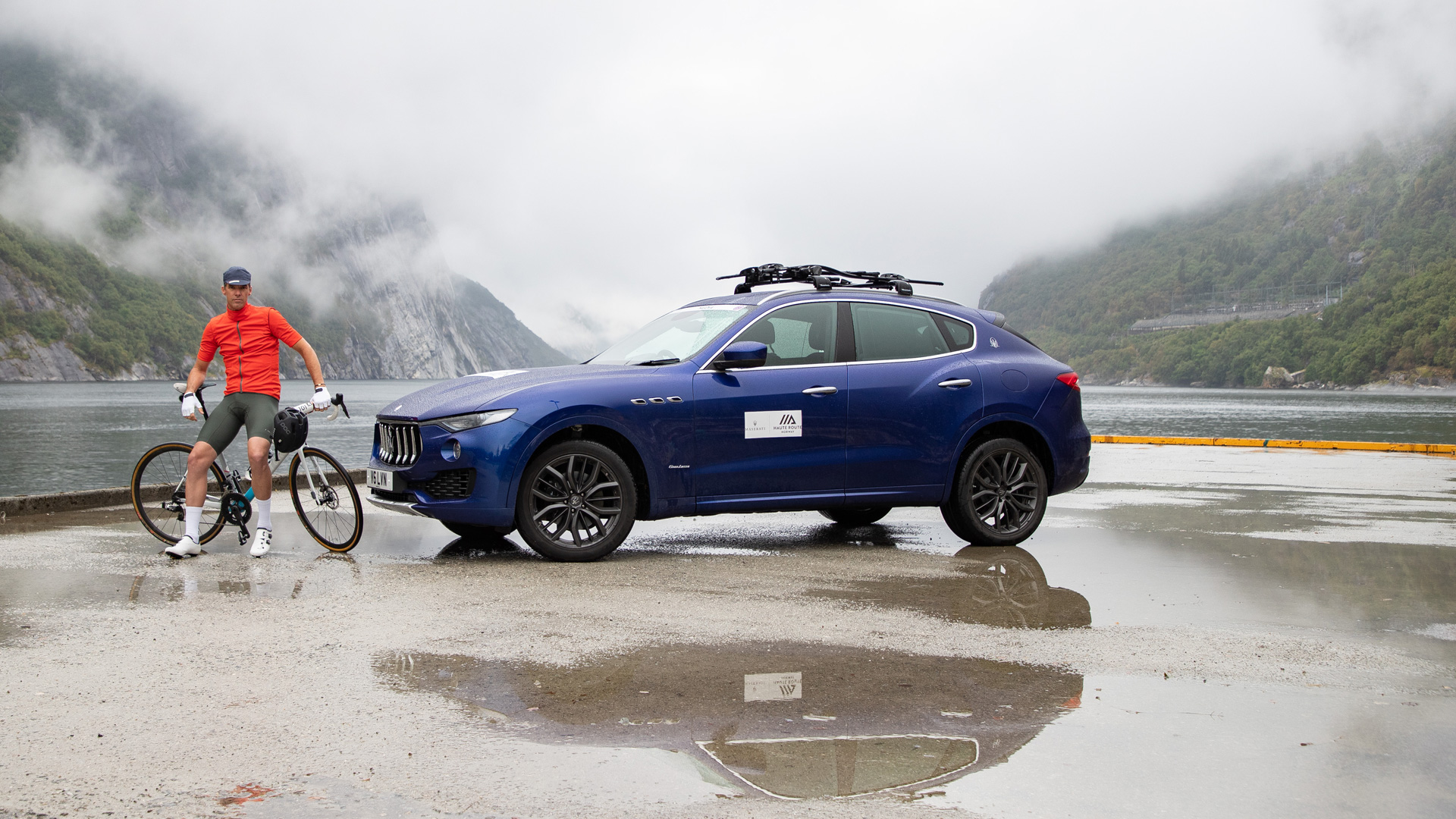 Haute Route Norway 2018 - A cyclist and a Levante SUV in the Stavanger region's setting